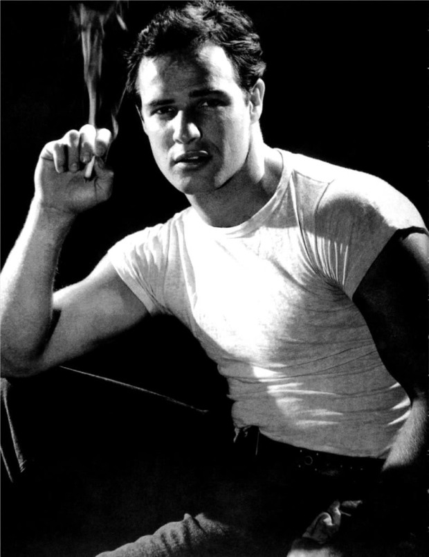 marlon-brando-picture-a-streetcar-named-desire-smoking-photo