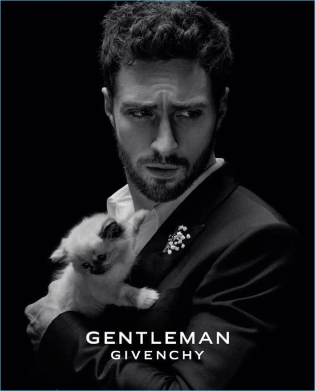 Aaron-Taylor-Johnson-2017-Gentleman-Givenchy-Campaign