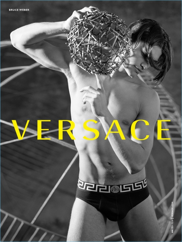Versace-Fall-Winter-2017-Mens-Campaign-005